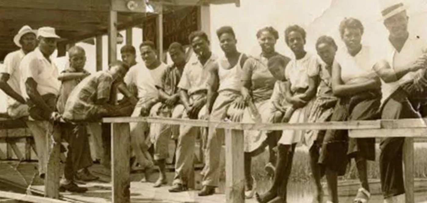 Mosquito Beach 1950s pavillion